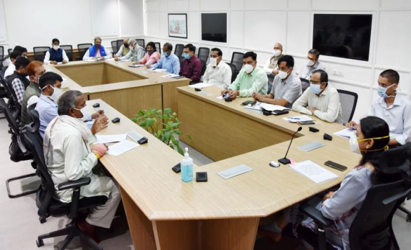 मुख्यमंत्री ने ग्रीवेंस कमेटी की मीटिंग में किया अनेक समस्याओं का तुरंत निपटान