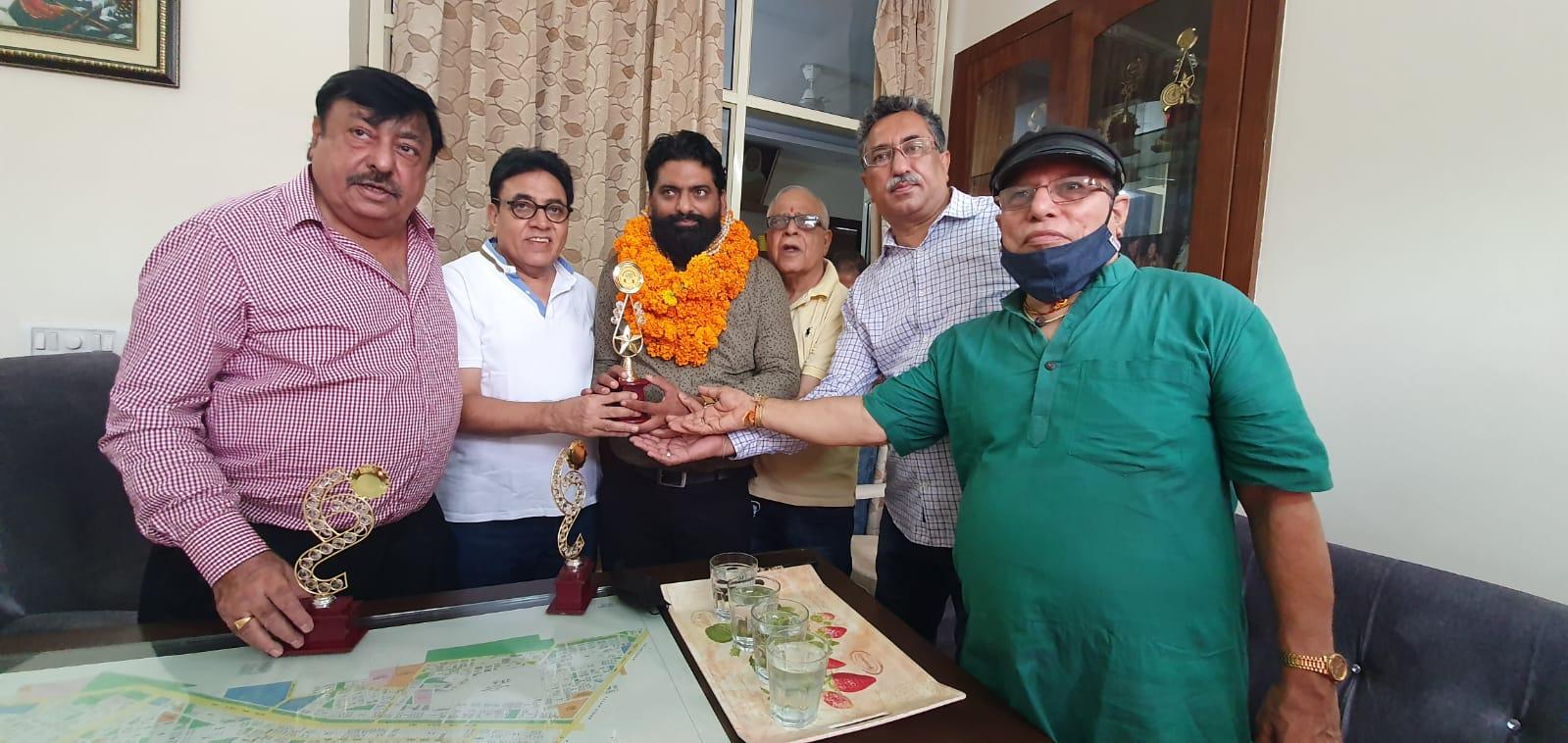 बोधराज सीकरी की अगुवाई में ऑल पंजाबी वेल्फ़ेर असोसीएशन गुरुग्राम ने किया अद्भुत व्यक्तितत्व अरूण चुघ रूदरपुर का अभिनंदन