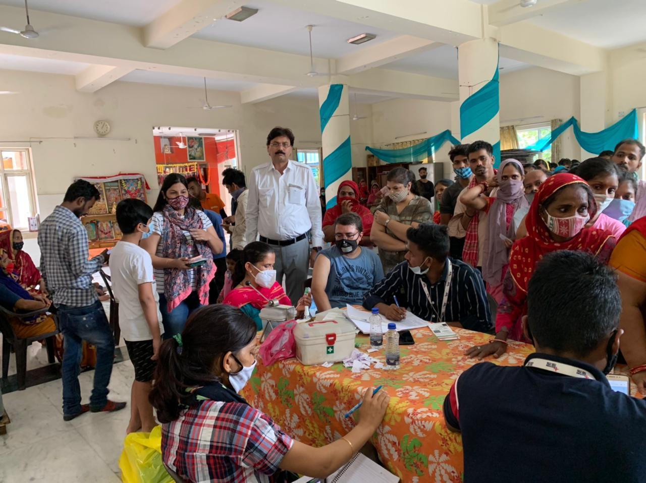 सेक्टर 5 राम मंदिर में आयोजित वैक्सीनेशन कैंप में 400 लोगों ने करवाया टीकाकरण